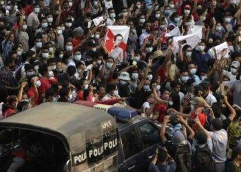 مقتل شخصان خلال احتجاجات ليلية في ميانمار
