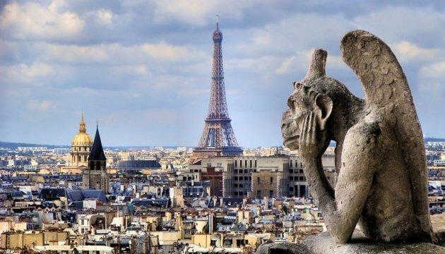 فرنسا تحظر الكحول في الاماكن العامة
