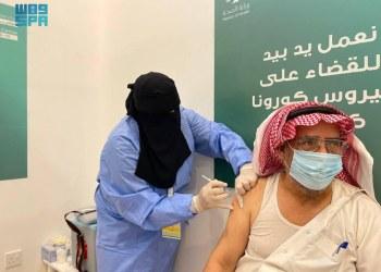 السعودية تعلن عن ارتفاع معدلات التطعيم ضد فيروس كورونا بين كبار السن