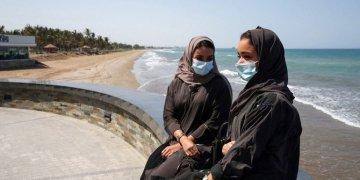 عمان تعيد فرض حظر على الحركة للحد من انتشار فيروس كورونا