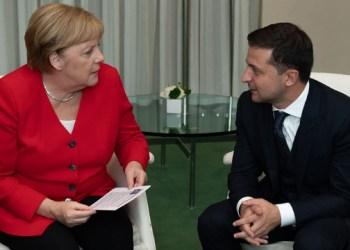 ميركل تدعو زيلينسكي لزيارة برلين
