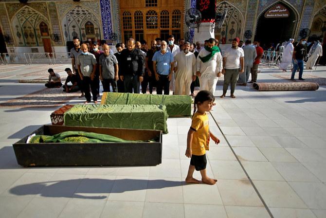 أسر ترقد على أحبائها بعد انفجار مميت في بغداد