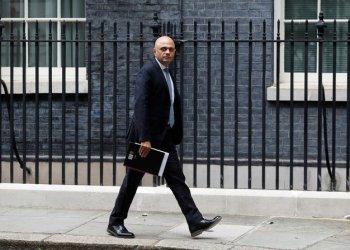 اصابة وزير الصحة البريطاني بكورونا