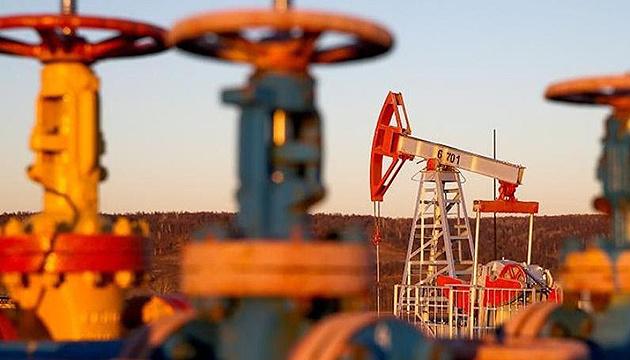 تراجع اسعار النفط على خلفية البيانات الخاصة بنمو الاحتياطيات في الولايات المتحدة