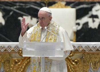 خضوع البابا فرانسيس لعملية جراحية في الأمعاء