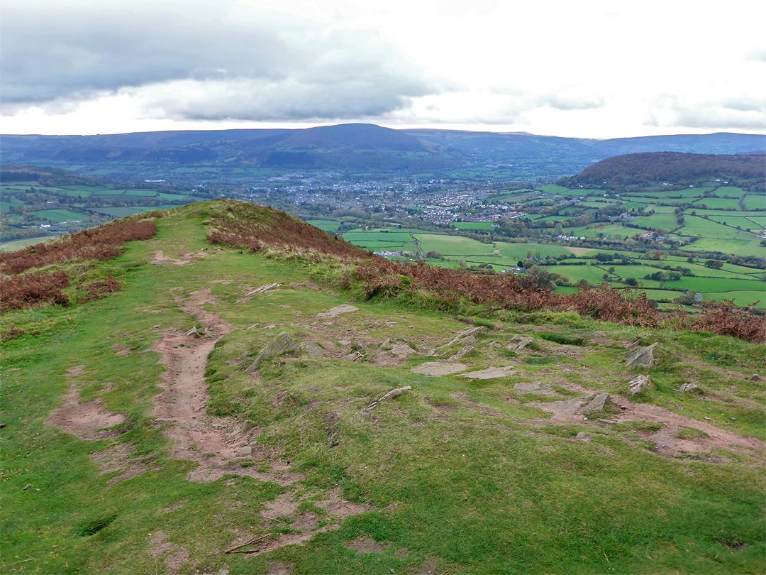 Photographs of Skirrid Fawr. Monmouthshire. Wales: Intermediate summit
