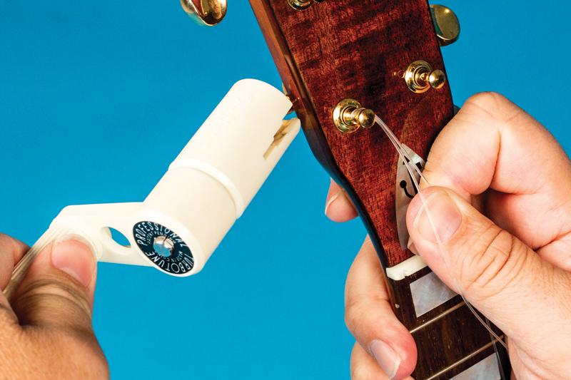 How to change ukulele strings winding tuners