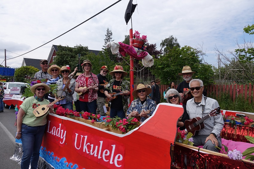 Ukuleles United Port Townsend decked out for 4th of July parade.
