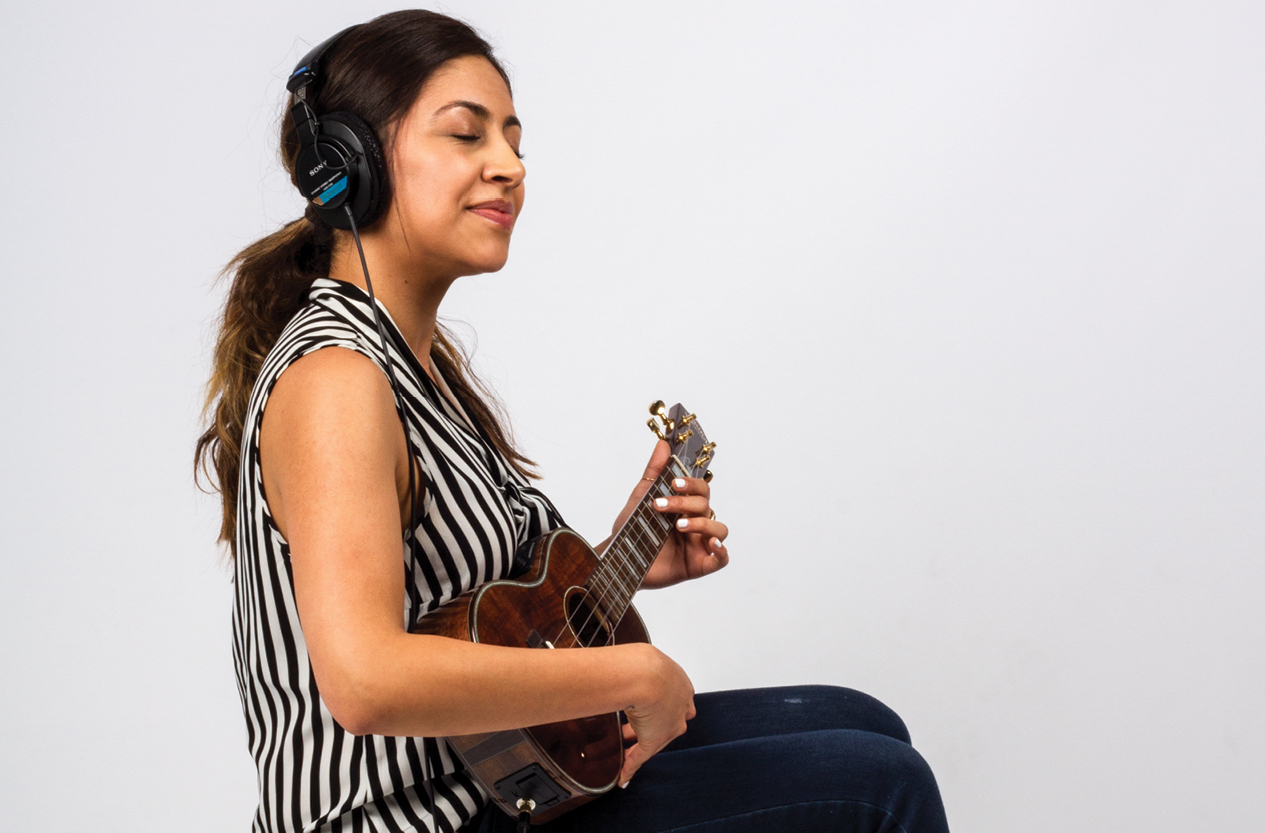 Beginner Ukulele Lesson: Get Off the Page and Into the Song
