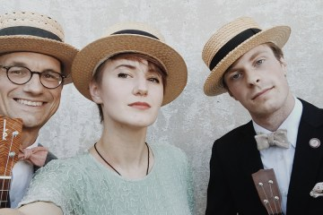 bad-mouse-orchestra-ukulele-trio-ukes
