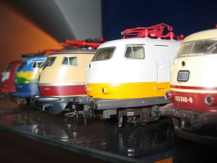 Modell-Lineup der Baureihe 103 / E03