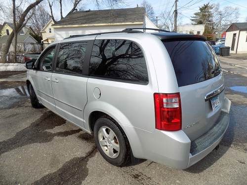 small resolution of 2010 dodge grand caravan sxt 6869