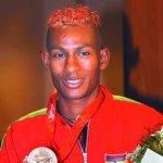 Não é só a bandeira de Maurício que é colorida, mas também o cabelo de seu grande herói olímpico