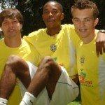 """Diego, Robinho e Dagoberto simbolizavam o """"futebol moleque"""" que prometia o primeiro ouro para o Brasil"""