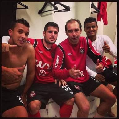 Pedro Botelho, Baier e Éverton logo acolheram o gringo. Botelho o conhecia do Arsenal.