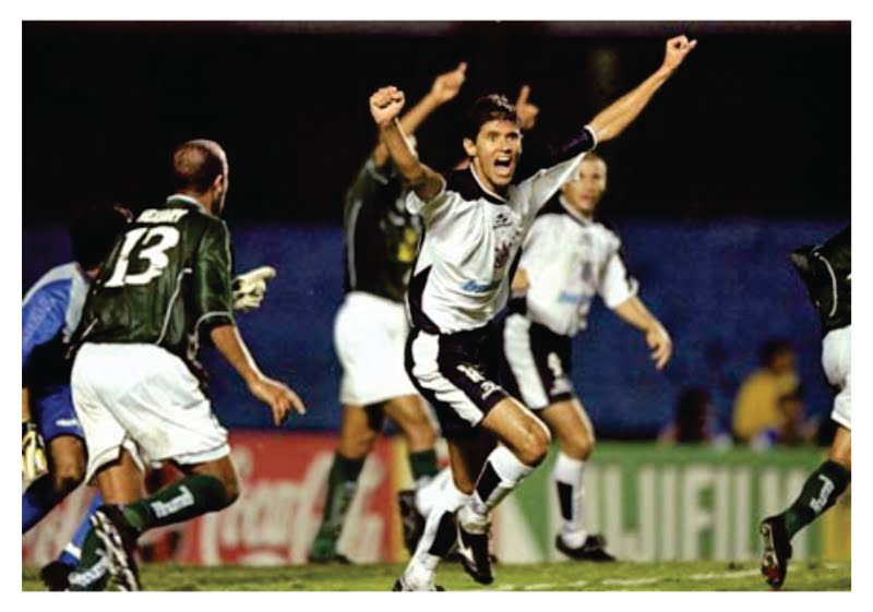 O Raja foi prejudicado contra o Corinthians e acabou ajudando o time paulista a avançar. A vingança nunca é plena...