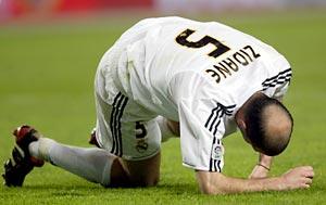 Zidane estava no time que caiu diante do Zaragoza