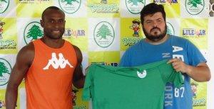 Pacheco chegou, foi apresentado, mas se lesionou e nem vai jogar no Carioca