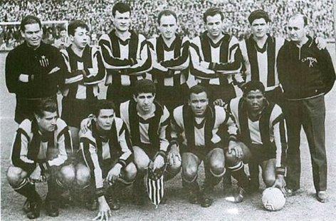 Penãrol cinco vezes consecutivas campeão uruguaio