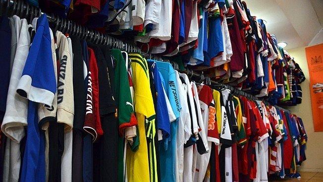 8151eea946 Indicamos  18 camisas dos campeonatos estaduais que valem a pena ter na sua  coleção - Última Divisão