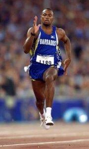 Thompson conquistou uma medalha de bronze nos Jogos de Sydney, em 2000