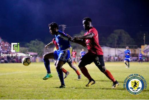 Matheus Henrique Protegendo A Bola Durante Um Jogo Da Liga Jamaicana Foto Sports Of Jamaica