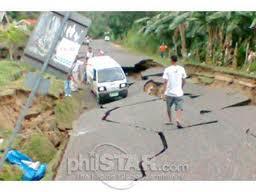 terremoto cebu strada danneggiata