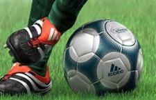 Allenatore di calcio soccorre in campo un 15 enne svenuto. Espulso e squalificato per 45 giorni