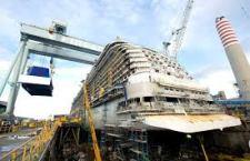 """La nave passeggeri più grande costruita in Italia varata nello stabilimento Fincantieri di Monfalcone. E' la """"Britannia"""" di 141 mila tonnellate"""