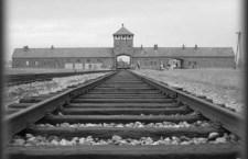 """A processo per 300 mila morti il """"contabile di Aushwitz"""""""