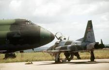 Il Kenya vendica i 148 morti di Garissa bombardando 2 basi di islamisti somali