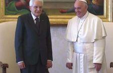 Anche Papa Francesco chiede aiuto per l'Italia per i barconi della morte