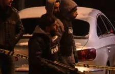 Raffica di attentati  in Turchia. Una donna kamikaze uccisa. Altri due terroristi catturati in due diverse azioni, mentre il Paese deve ancora riprendersi dal sequestro e uccisione di un magistrato
