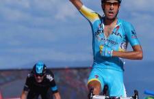 Grande il giovane Aru che vince il tappone del Giro. Un esempio per tutti