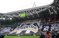 """Supporters of Juventus FC prior the Italian Serie A soccer match Juventus FC vs Atalanta BC at the """"Juventus Stadium"""" in Turin, Italy, 13 May 2012. ANSA/ALESSANDRO DI MARCO"""