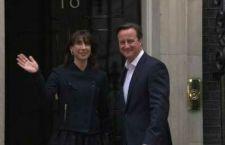 Cameron ce l'ha fatta a restare a Dowing Street. I conservatori vincono nettamente