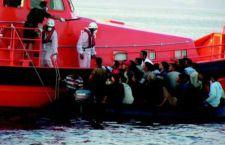 """Al via la flotta europea nel Mediterraneo, ma nessuna decisione su """"quote"""" migranti"""
