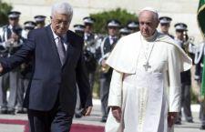 """Francesco riceve Abbas in Vaticano e lo definisce """"angelo della Pace"""""""