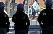 Incidenti per Roma Lazio all'Olimpico. Due accoltellati