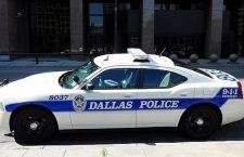Sparatoria al comando della Polizia di Dallas. Un uomo assediato