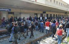Scontro Italia Francia sui migranti. Perché non creare campi di raccolta nel Nord Africa?