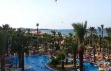 Tunisia: saliti a 27 i morti ad Hammamet per l'attacco agli alberghi di lusso. 10 morti nel Kwait