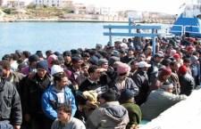 Migranti: altri 37 morti. Europa convoca vertice. Londra pensa di chiudere anche agli europei