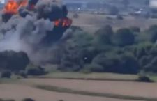 Salgono a 11 i morti dell'incidente aereo in Gran Bretagna. Altro scontro tra due velivoli in Svizzera. Un morto