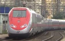 Violento nubifragio a Firenze interrompe la linea ferroviaria con Roma
