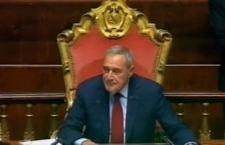 Senato: Grasso cancella 75 milioni di emendamenti della Lega che  accusa per l'aiuto a Renzi