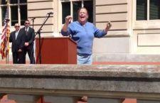 Va in carcere la funzionaria Usa che rifiuta di celebrare nozze gay nel Kentucky perché contrarie alla legge di Dio