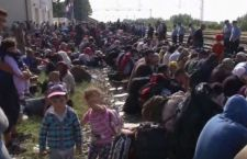Migranti: Merkel pessimista su accordo. Turchia avverte: stanno arrivando 7 milioni di rifugiati