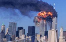 Obama ricorda la tragedia delle due torri gemelle. L'America si ferma in silenzio