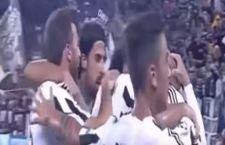 La Juventus travolge il Siviglia 2 a 0. Guida in Europa a punteggio pieno